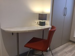 location appartement meublé, décoration design, espace travail,
